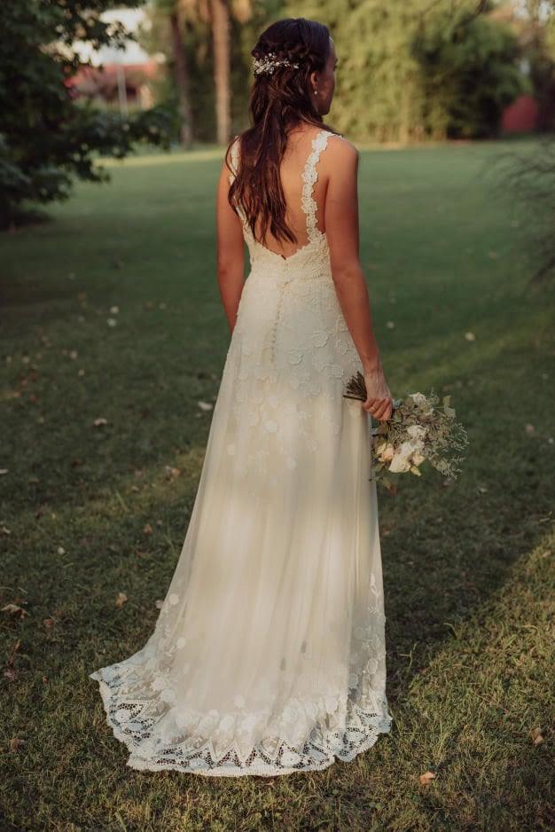 Guada y su vestido de tul bordado