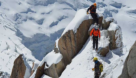 ropa-montaña_Mont-Blanc_by-charlie-hammo