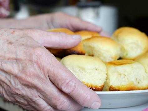 «Чтобы ладошки шершавые пирожками пахли»