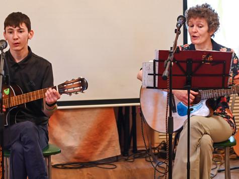 Саткинцы споют мировые песни в «Артеке»