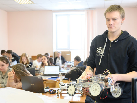 Профессиональный дебют: в регионе стартовал конкурс для специалистов по профподготовке