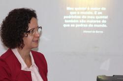 Profa. Nainôra cita Manuel de Barros