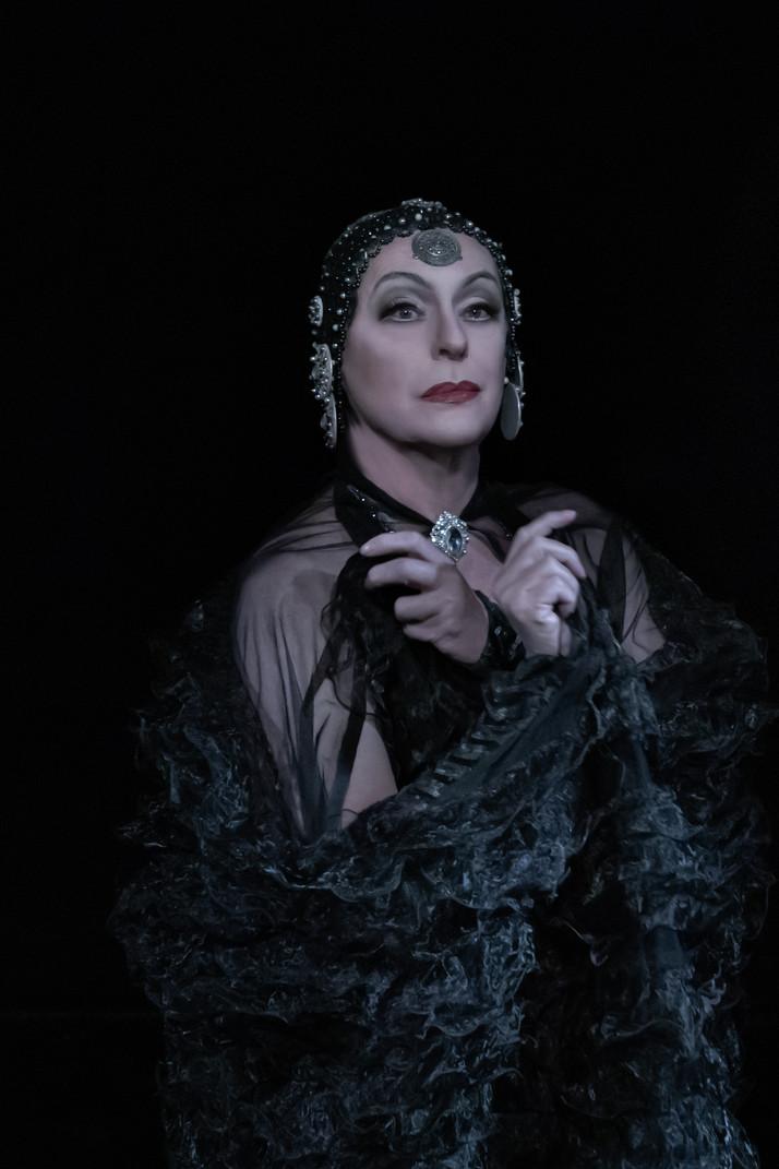 ''Espetáculo Olhares de Perfil-O Mito Greta Garbo faz últimas apresentações em São Paulo''