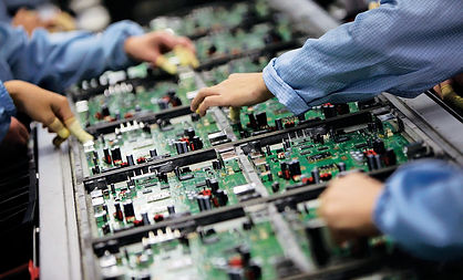Electronics-Manufacturing-working-on-eng