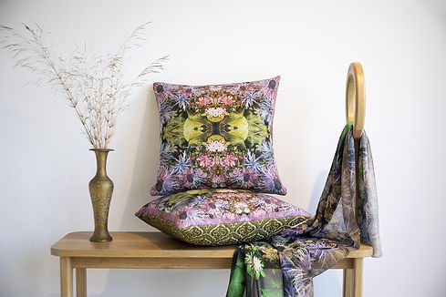 Wild and colorful printed pillows (1).jp