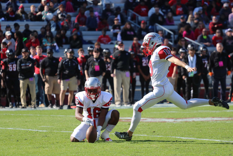Former Stallion and current Clemson kicker, BT Potter kicks a field goal in the state championship game at Williams-Brice.