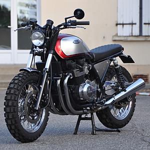 Zephyr 750 Kawasaki Red