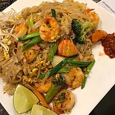 F8. Pad Thai Shrimp