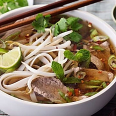 P4. Beef Noodle Soup with Eye Round and Well Done Flank Small