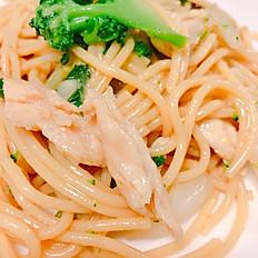 L16. Lunch Chicken Lo Mein