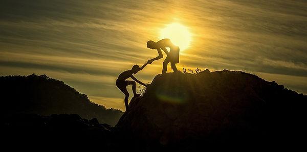 monter au sommet, accompagnement, partage, soutien, empathie, bienveillance, partenaires, confiance