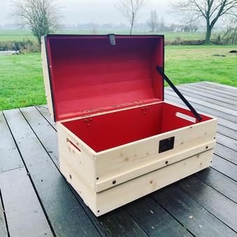 oude houten kist.JPG
