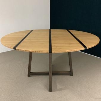 bamboe vergadertafel rond.jpg