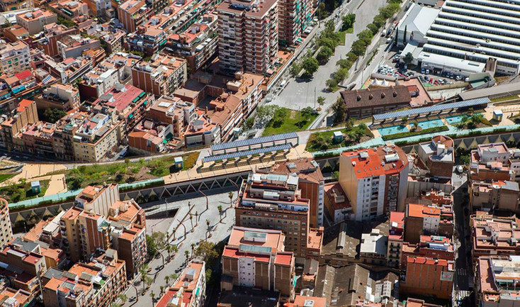 Barcelona-elevated-park-gree-roof-03b.jp