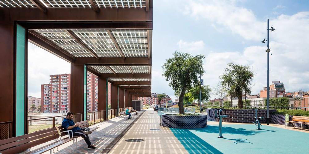Barcelona-elevated-park-gree-roof-07.jpg