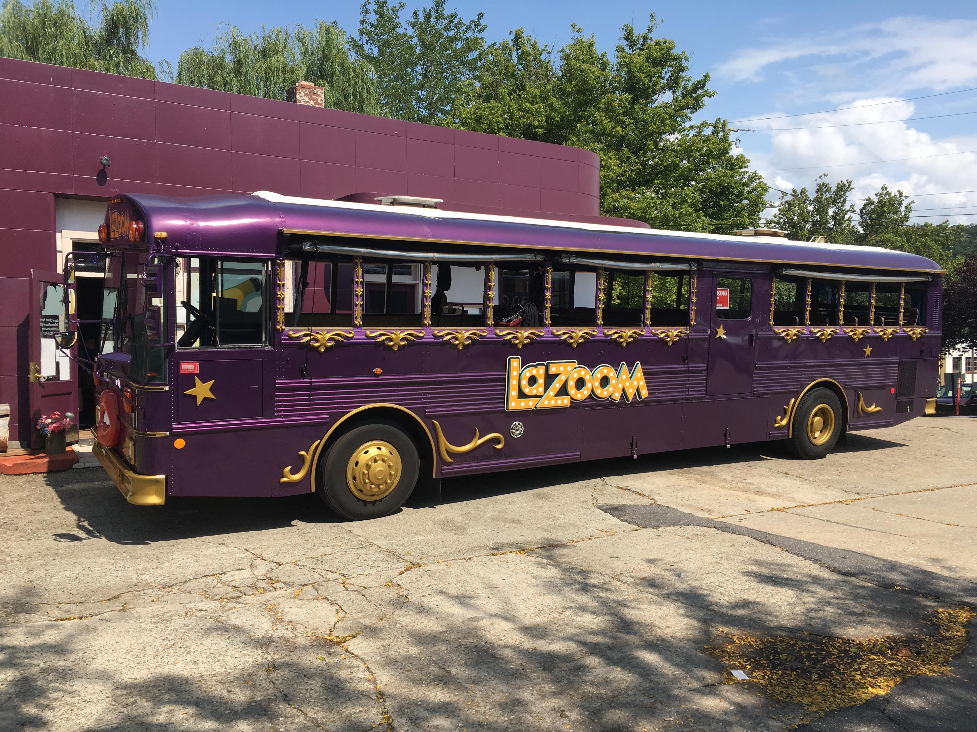 Lazoom Holiday Tour