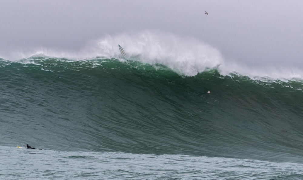 A strong devil wind blew Peter Mel right over the top after he got to his feet on this one. WSL / TODD TURNER