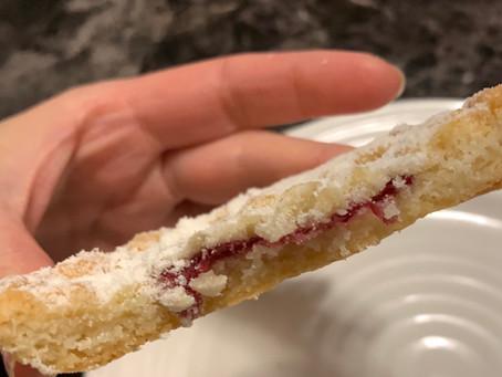 Costco Kirkland Signature Raspberry Crumble Cookies Review