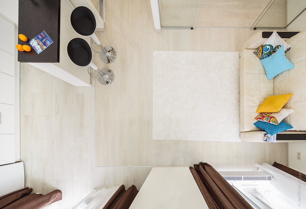 Интерьерная фотография комнаты квартиры вид сверху. Интерьерный фотограф Ян Волянский.