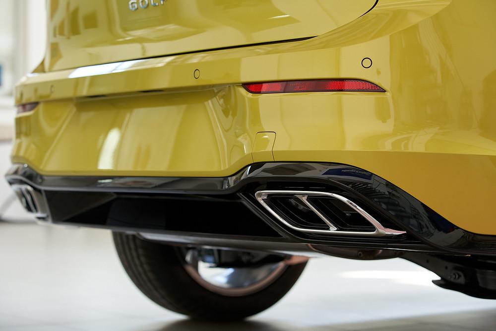 Задний спойлер Волксваген Гольф 8го поколения, R-Line. Автомобильный фотограф Ян Волянский.