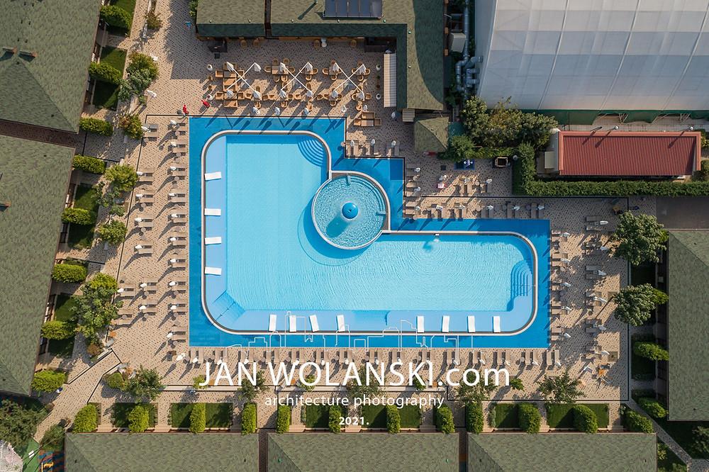 Уличный бассейн в центре отдыха Ёлки-Палки в Одессе. Архитектурный фотограф Ян Волянский