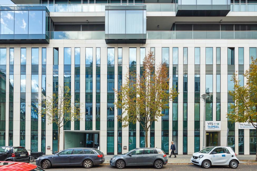 архитектурная фотография фасада здания в Берлине.
