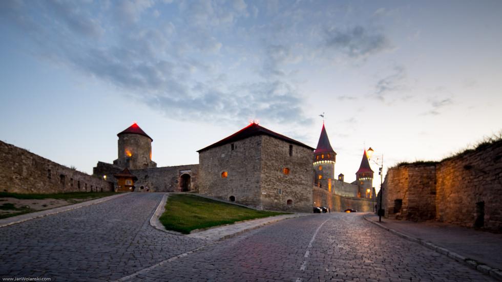 Каменец-Подольская крепость вечером