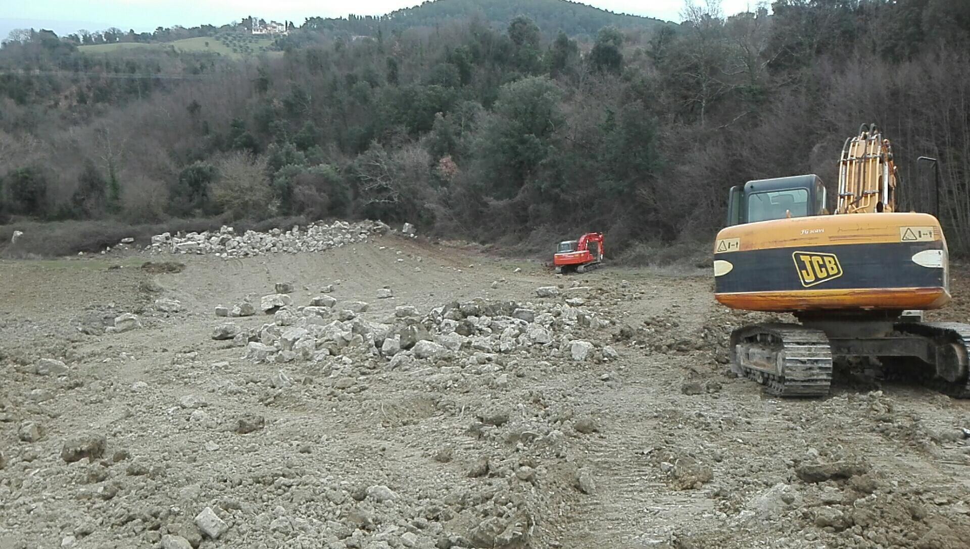Scasso con escavatore