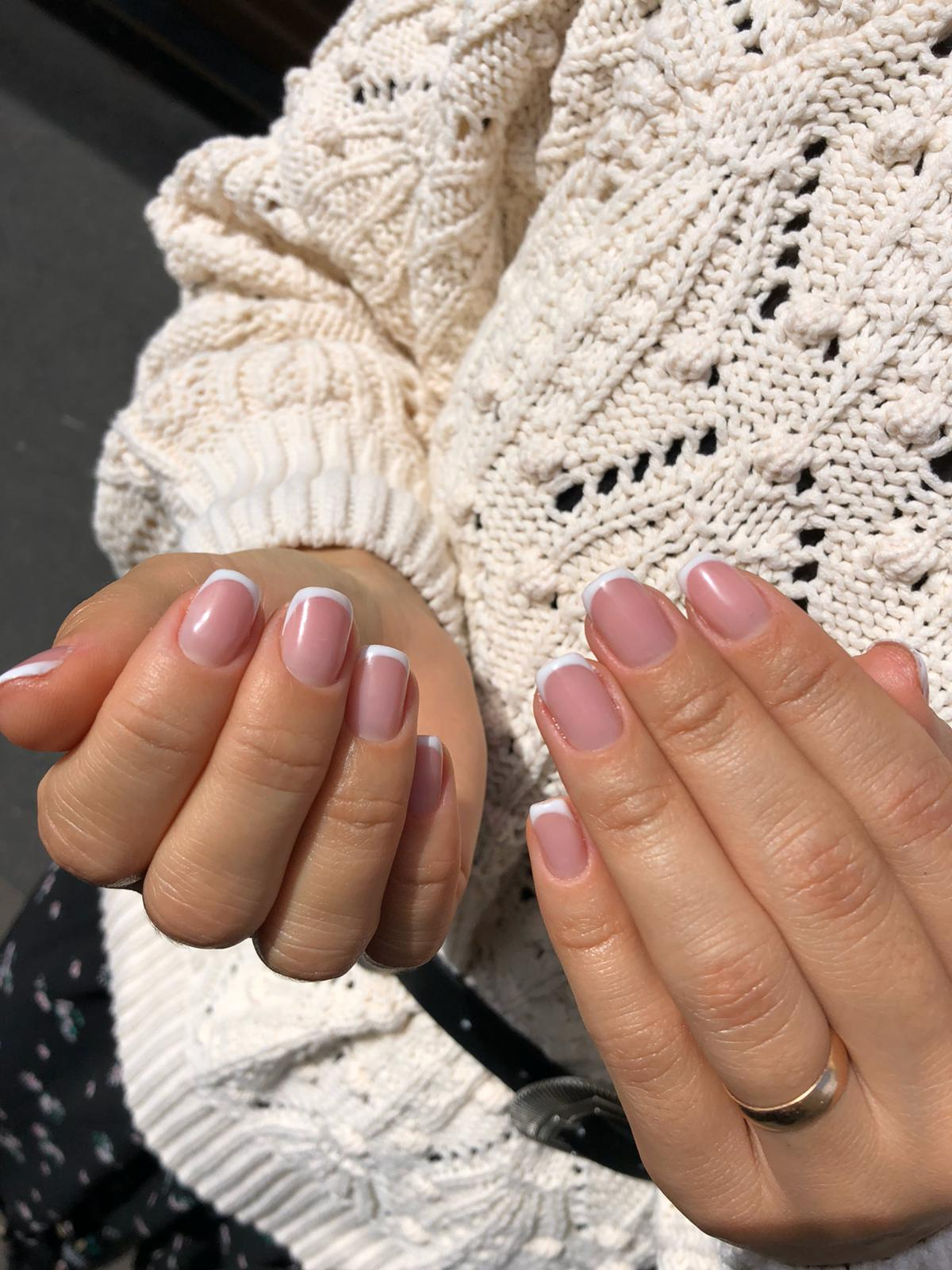 French Manicure by Le diX Concept Paris