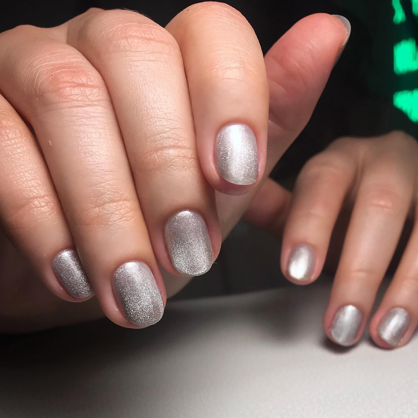Sparkly nails by Le diX Paris