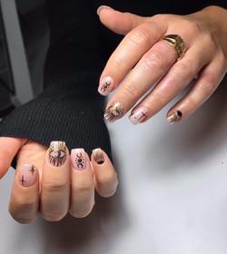 Gold Nails Art By Le diX concept Paris