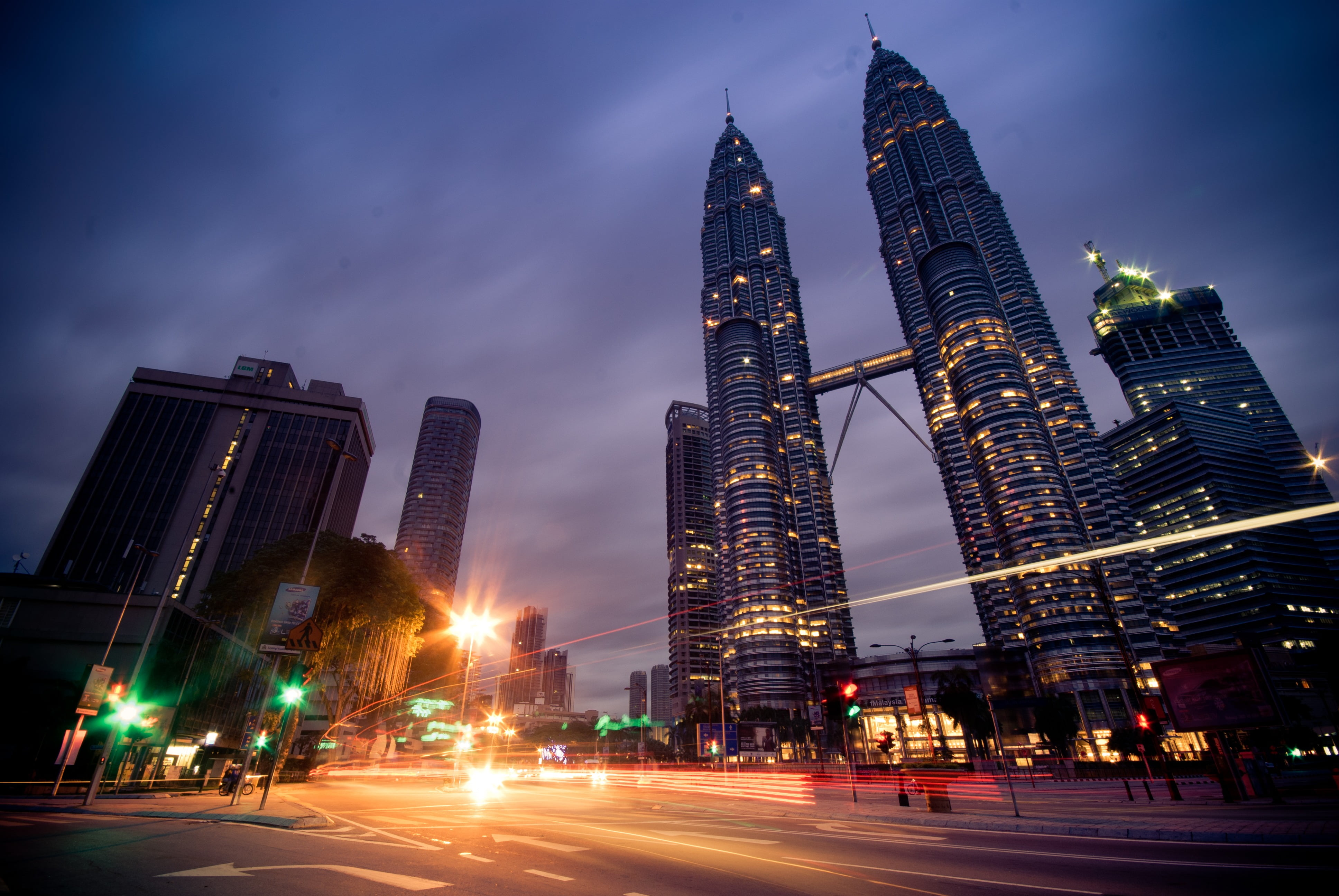 kuala-lumpur-petronas-twin-towers-malays