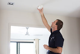 Sunshine Coast Smoke Alarm installer