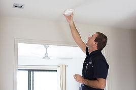 Sunshine Coast Smoke Alarm installer