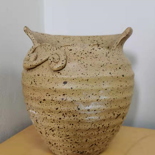 Porous mimicry vase