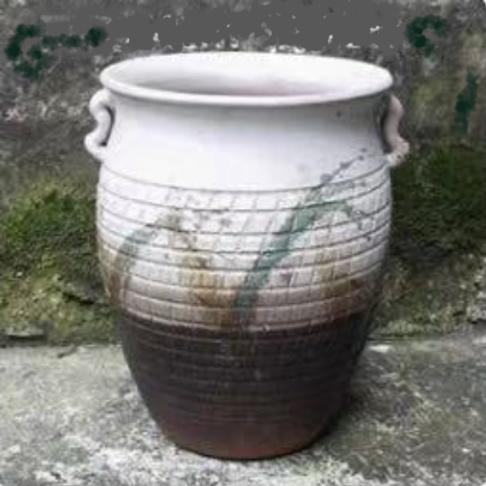Glazed clay earthenware
