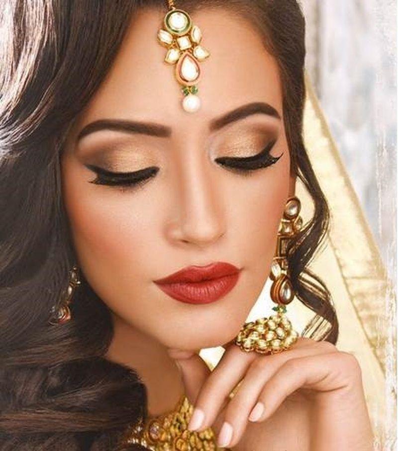 Glamorous Eye Makeup Bridal Look | Image via Pinterest