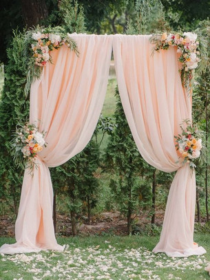21 Whimsical Romantic Ceremony Backdrop Ideas for your Wedding
