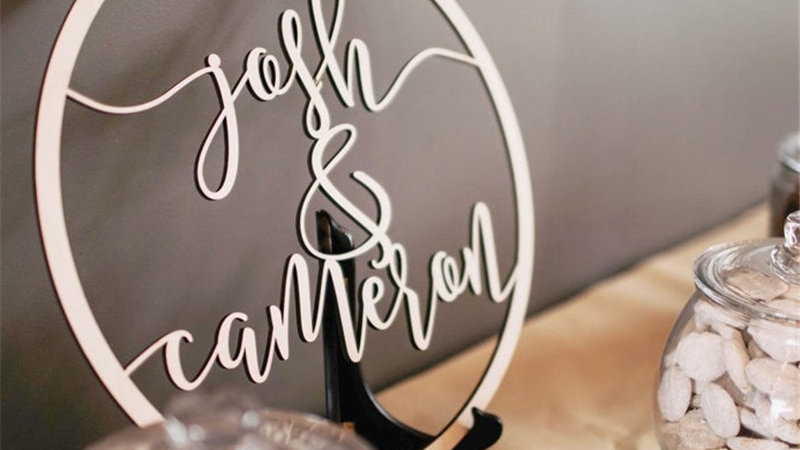 Custom Wedding Wooden Circle Sign for Bride and Groom