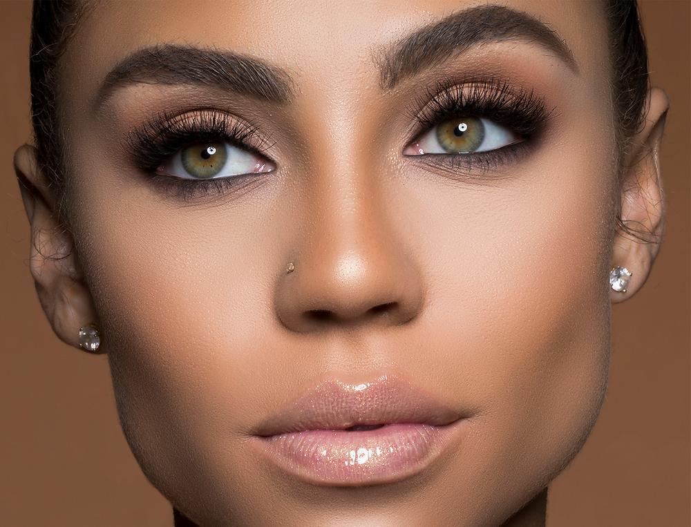 Subtle Brown Eyeshadow | Image via Pinterest