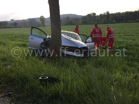 T1 - Schwerer Verkehrsunfall B1