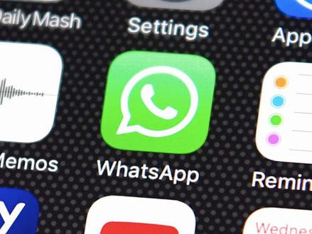 Impressão digital em foto enviada no WhatsApp ajuda polícia do País de Gales a prender traficante