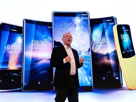 Nokia ressuscita 'celular banana' usado no filme 'Matrix'