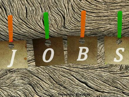Estudos apontam que, até 2025, um em cada três postos de trabalho será substituído por tecnologia in