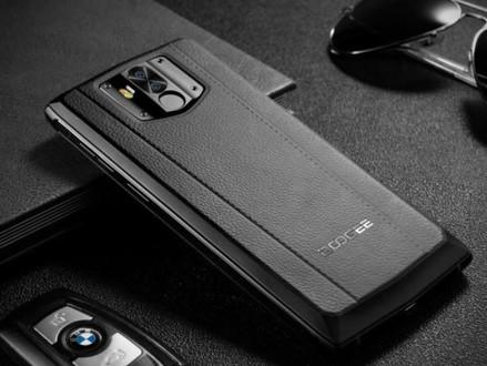 Doogee N100 é um smartphone com bateria de 10.000 mAh que custa US$ 140