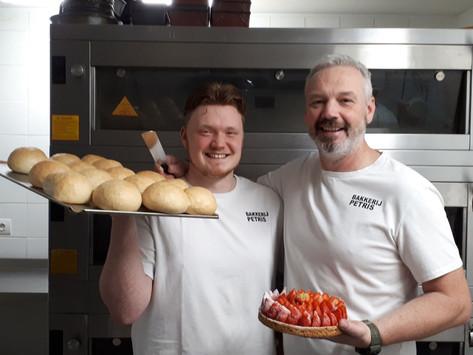 Le boulanger traditionnel Tristan Liekens donne une nouvelle vie aux produits locaux