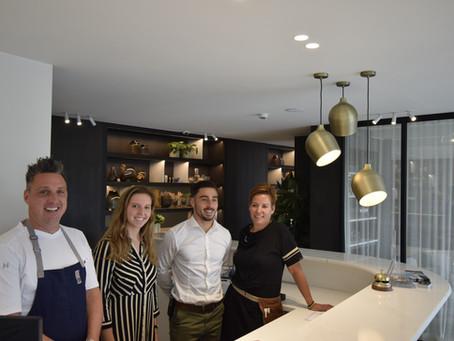 Faites l'expérience de l'hospitalité et des découvertes culinaires dans un même lieu.