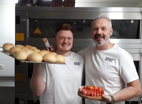 Ambachtelijk bakker Tristan Liekens blaast streekproduct nieuw leven in