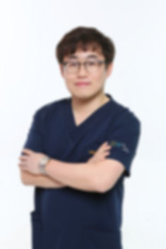 송현탁 프로필.jpg