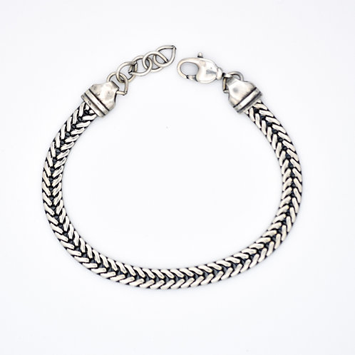 SILVER WOVEN FISH TAIL CHAIN